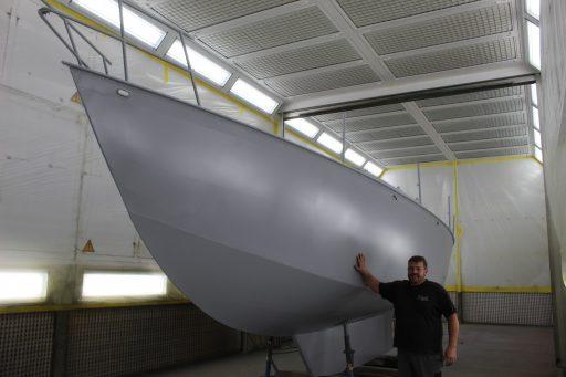 Segeljacht lackieren